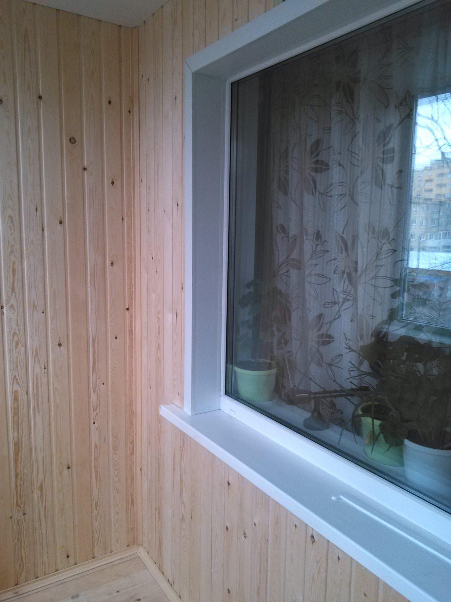 остекление и обшивка балкона - пример работ