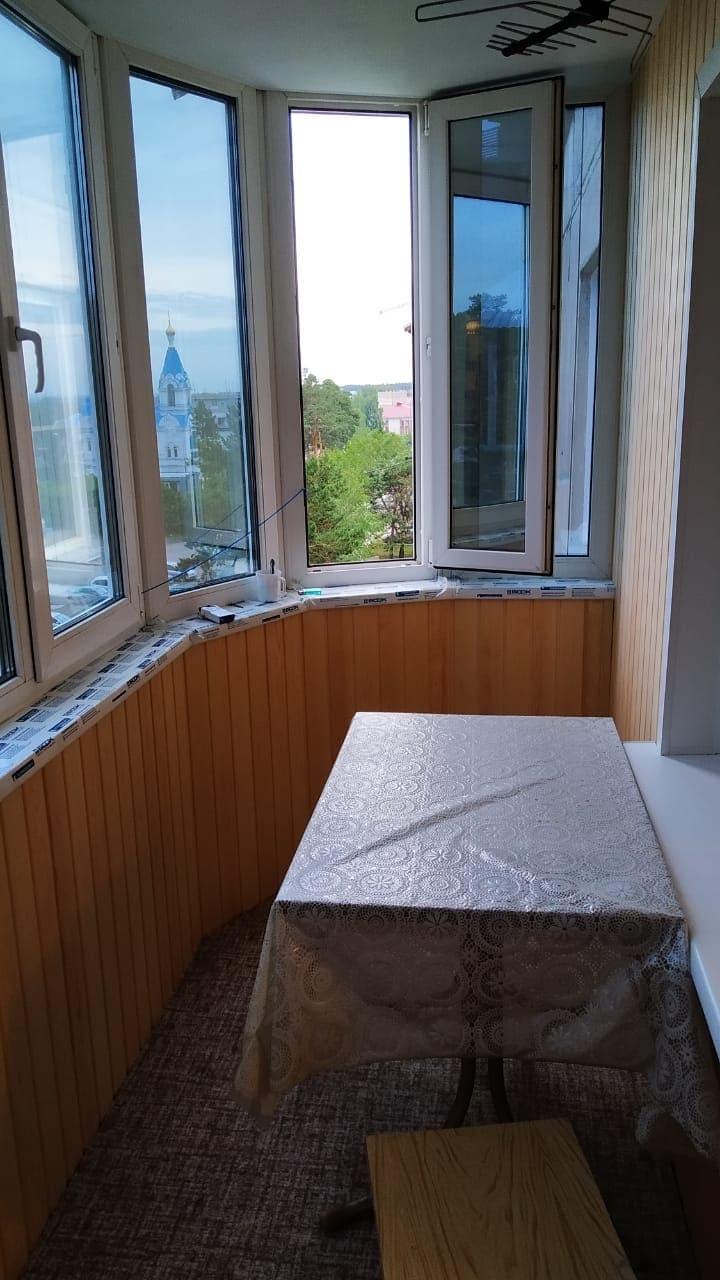Остекление и обшивка внутренняя лоджии - фото